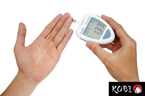 ăn tỏi đen có tác dụng gì? tỏi đen hỗ trợ điều trị bệnh tiểu đường